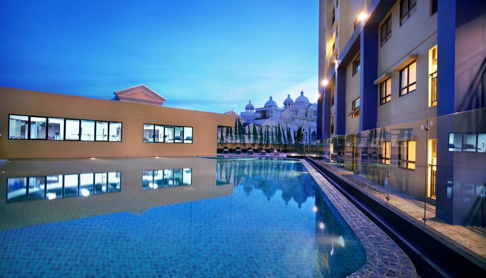Hotel Atria Serpong - Swimming pool