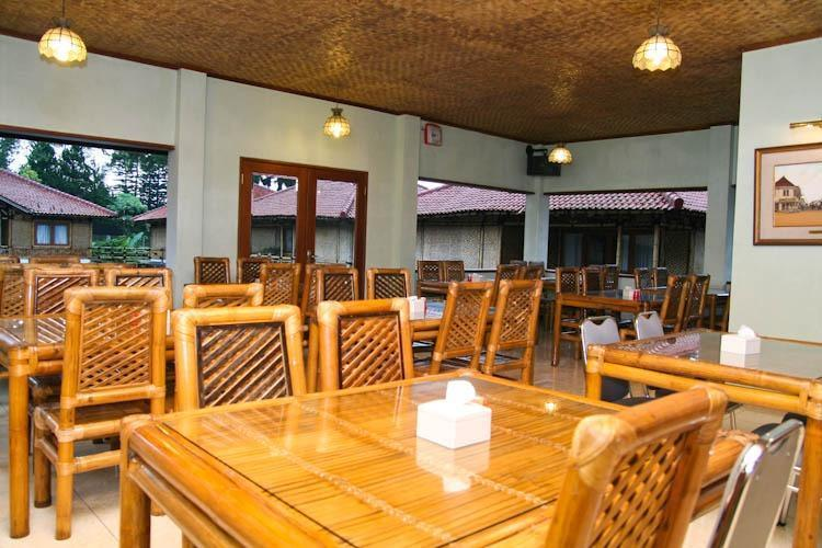 Resort Prima  Cisarua - Saung Kuring Restoran