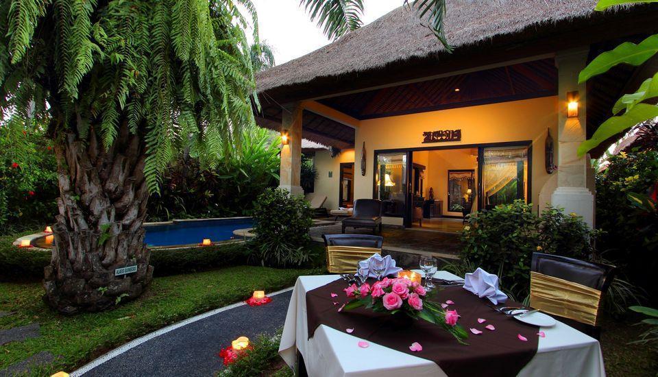 Furama Villas Ubud - Deluxe Pool Villa - in villa dining