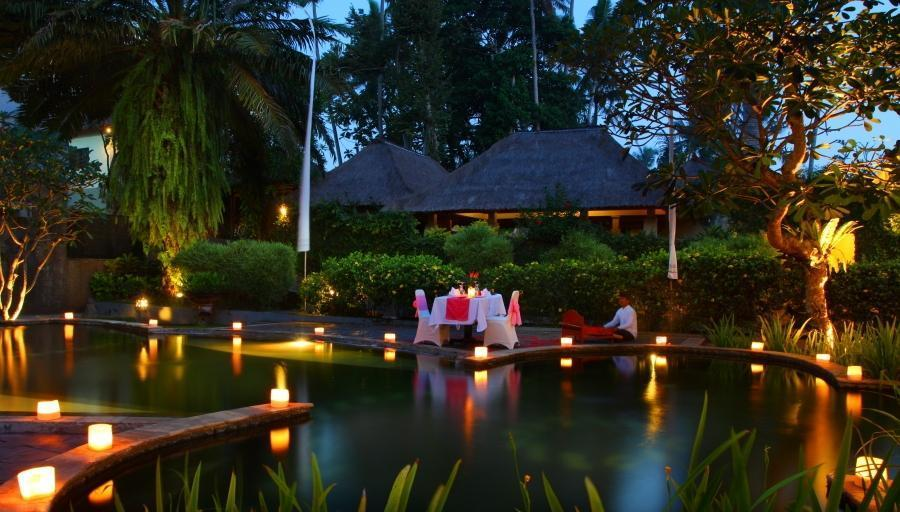 Furama Villas Ubud - Poolside Romantic Candle Light Dinner 1