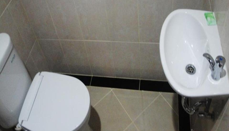 Elfah Hotel Manado - Kamar mandi