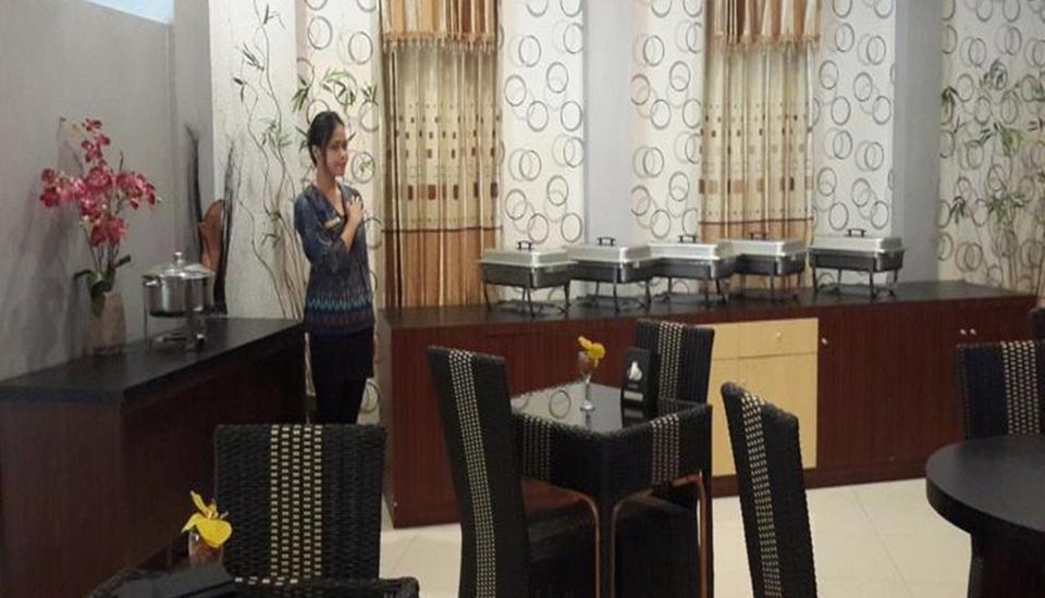 Elfah Hotel Manado - Restoran