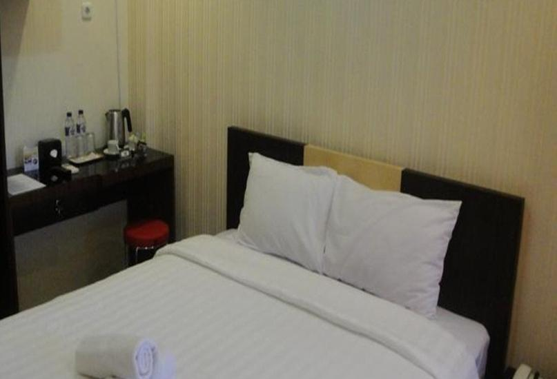 Elfah Hotel Manado - Bluesafire Room Regular Plan
