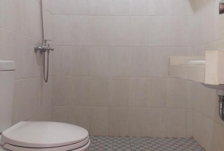 Sakura Guest House Bandung - Bathroom