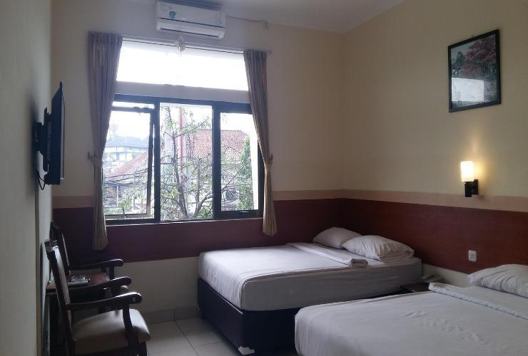 Sakura Guest House Bandung - Family Room