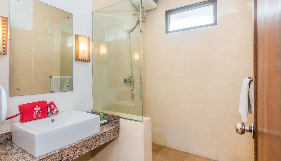 ZenRooms Seminyak Batu Belig - Kamar mandi