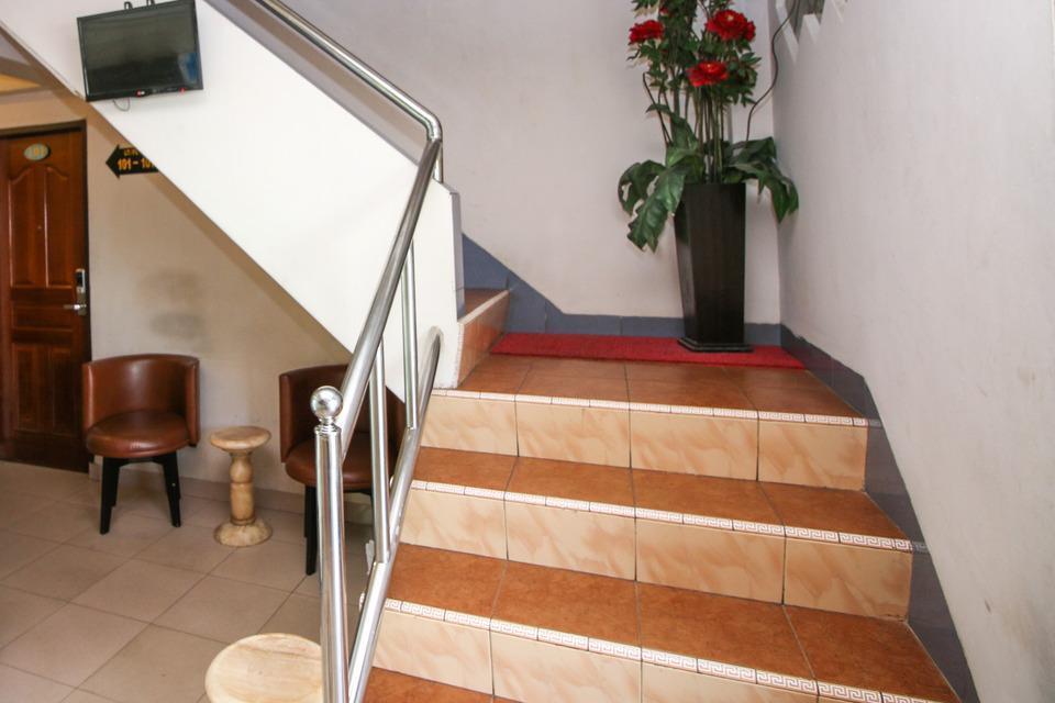 Airy Maluku City Sudirman Ambon - Stairs