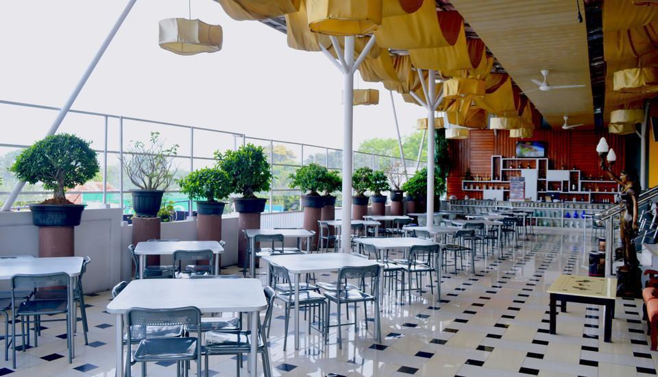 Grant Hotel Subang - Berhiber Cafe