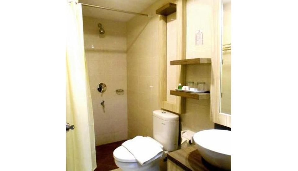 Grant Hotel Subang - Bathroom