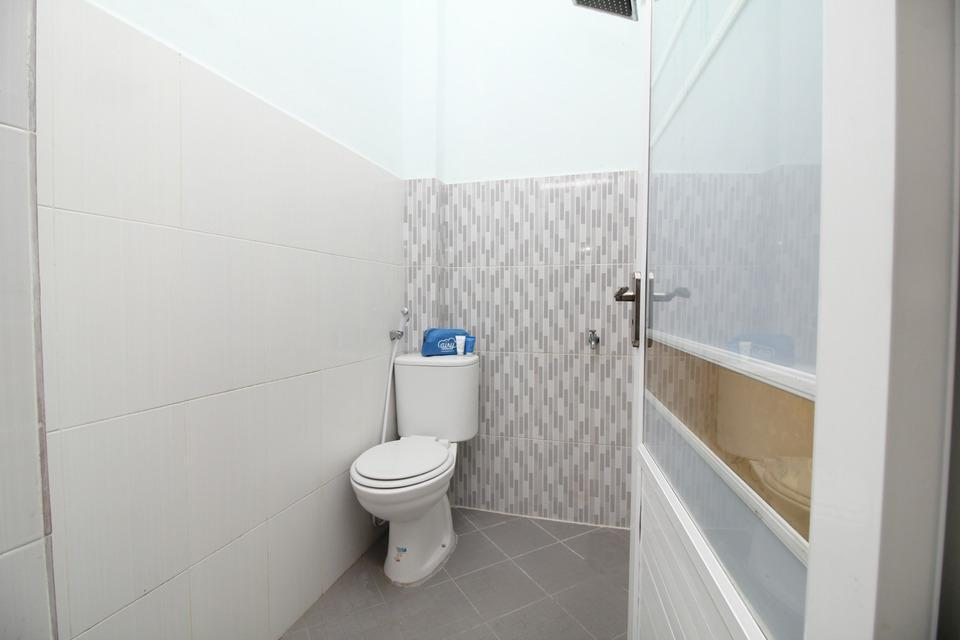Airy Eco Syariah Medan Petisah Ayahanda Ceret 11C - Bathroom