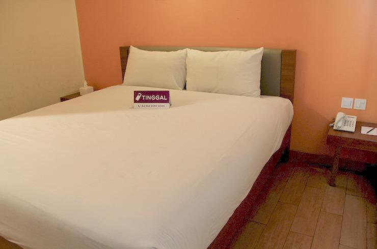 Tinggal Standard at Jalan Bandengan Jakarta - Superior Room Romantic Stay - 50%