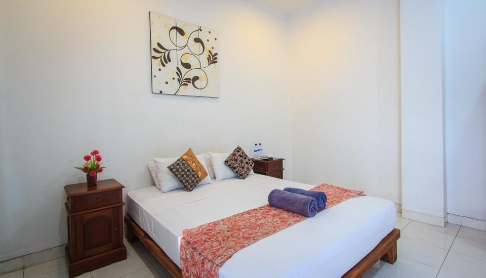 RedDoorz @Melati Kartika Plaza Bali - Kamar tamu