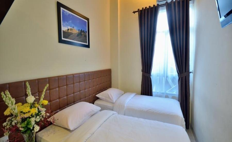 Wesly House Medan - Deluxe Room Regular Plan
