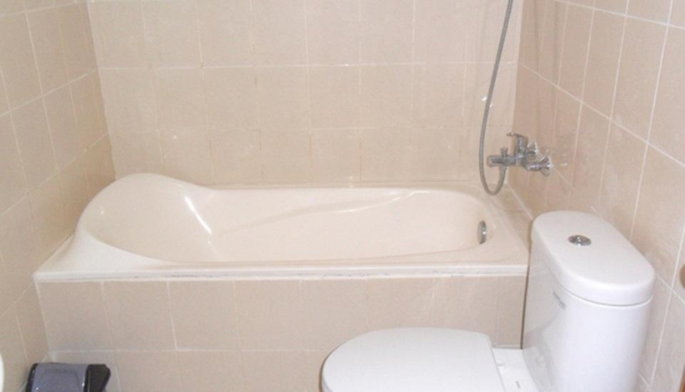 Simply Homy Guest House Alun Alun Kidul Yogyakarta - Kamar mandi