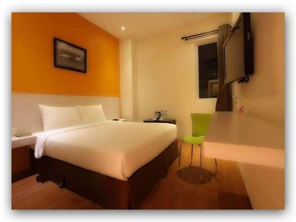 Hotel Dragon Inn Jakarta - Superior Room With Breakfast Regular Plan
