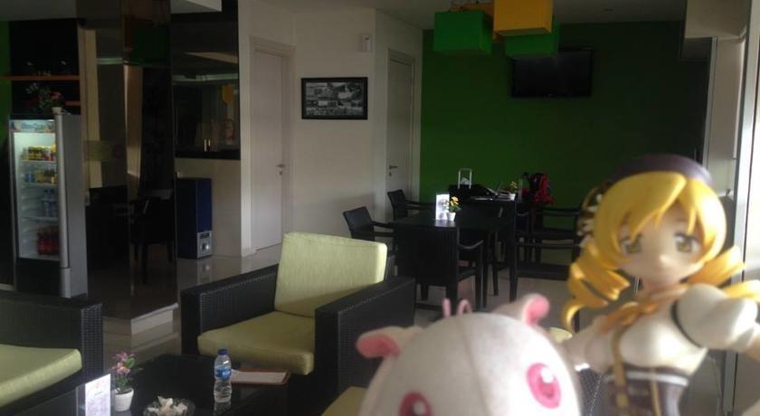 Hotel Dragon Inn Jakarta - 8