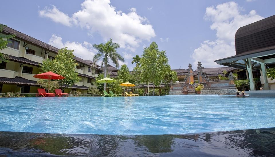 Grand Legi Lombok - Pool