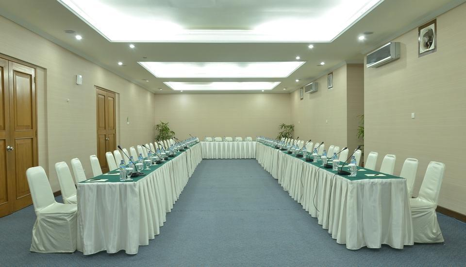 Grand Legi Lombok - Teratai Meeting Room