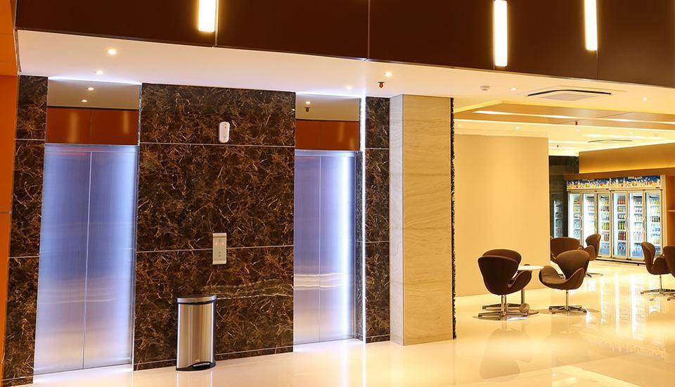 Grand Citihub Hotel @ Kajoetangan Malang - Lobby Lift