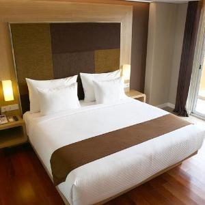 Grand Citihub Malang - Superior King Room Only Regular Plan