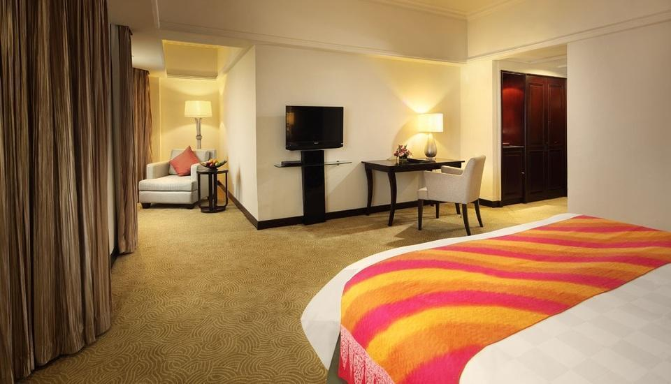 Hotel Aryaduta  Pekanbaru - Executive Deluxe Room Only min stay 5 nights get 20% discount