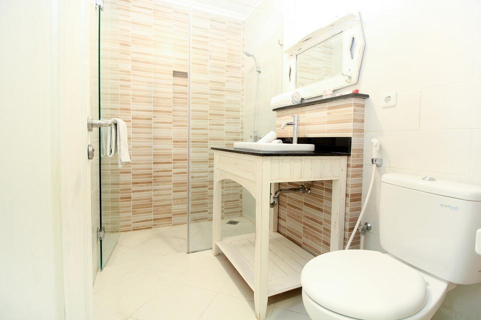 OYO 204 Blessing Residence Surabaya - Deluxe Double Regular Plan
