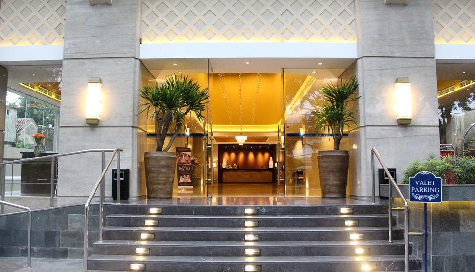 Salak Tower Hotel Bogor - entrance