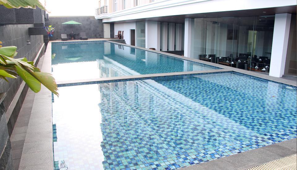 Salak Tower Hotel Bogor - pool