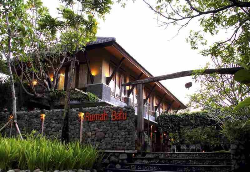 Rumah Batu Villa Solo - Front Hotel