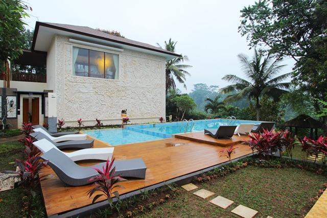 Ashoka Tree Resort at Tanggayuda Bali - Pemandangan Kolam Renang