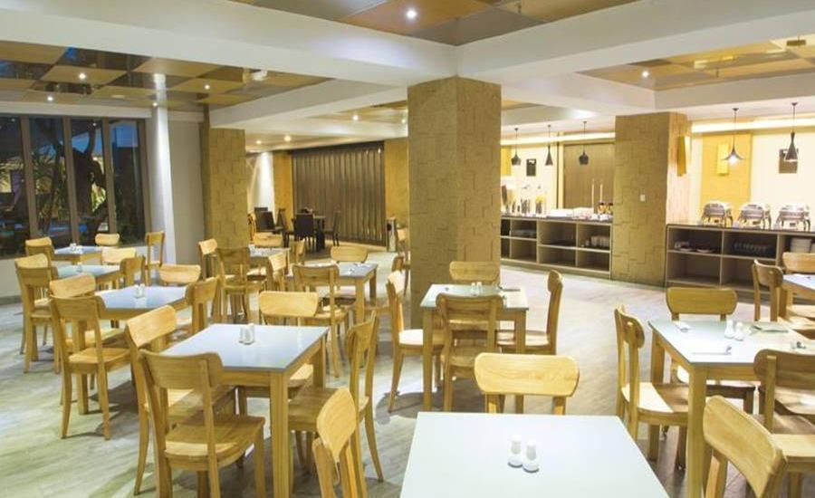 Steenkool Hotel Bali - Ruang makan