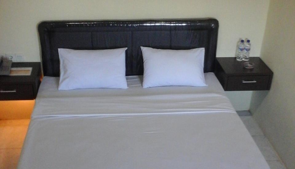 Hotel Mahkota Banyuwangi - Kamar Deluxe Tempat tidur 1 besar
