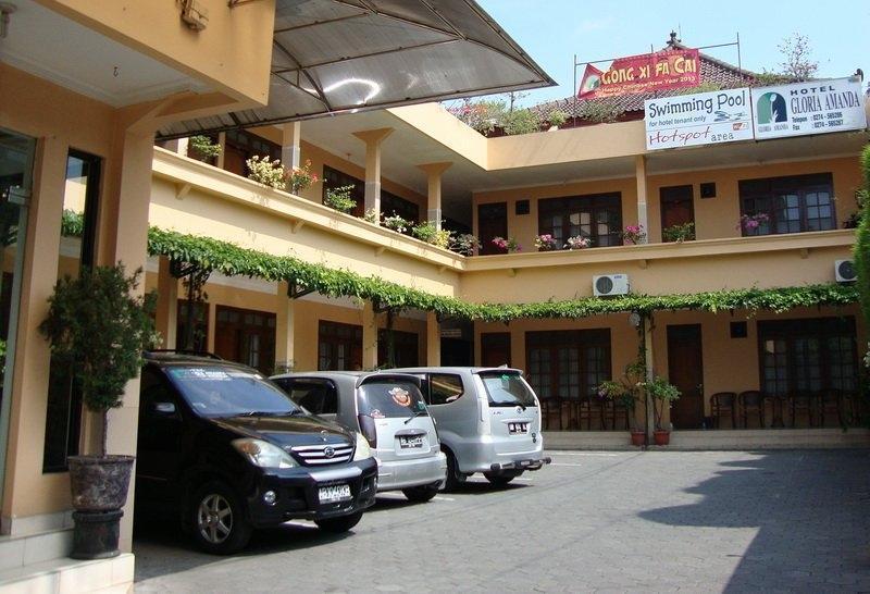 Gloria Amanda Hotel Yogyakarta - Parkir