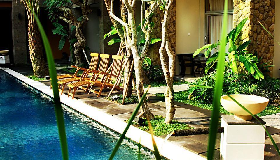 Eclipse Hotel Yogyakarta - Pemandangan Kolam Renang