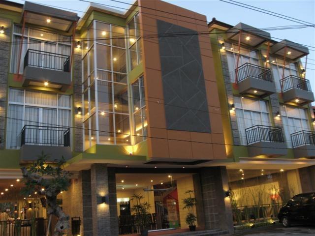 Eclipse Hotel Yogyakarta - Hotel depan