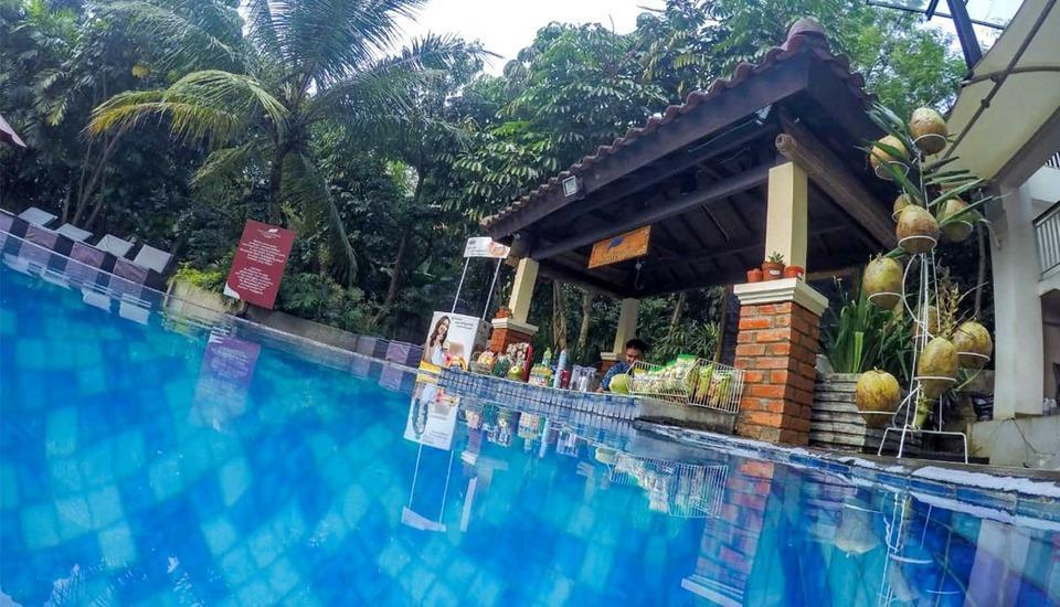 Padjadjaran Suites Resort Bogor - Pool Side Bar
