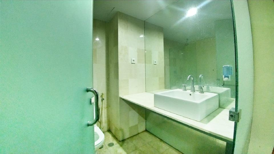 Quint Hotel Manado - Bathroom