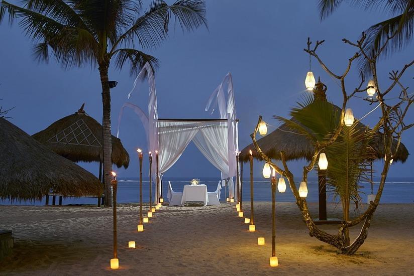 Sol Beach House Bali-Benoa All Inclusive by Melia Hotels Bali - Makan malam romantis