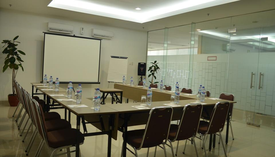 Amaris Pancoran - Ruang Meeting