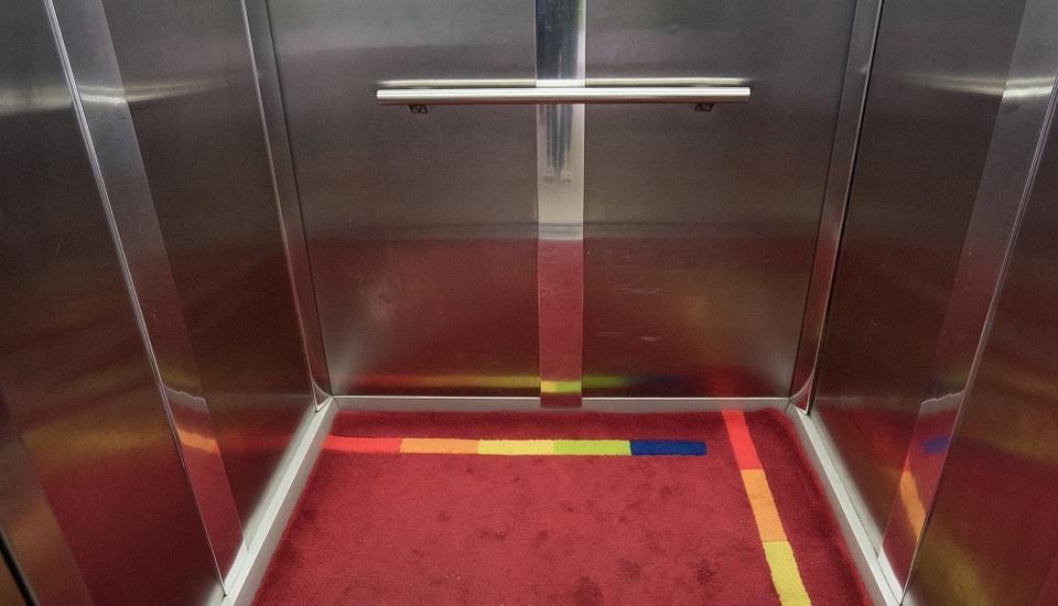 Amaris Pancoran - Lift