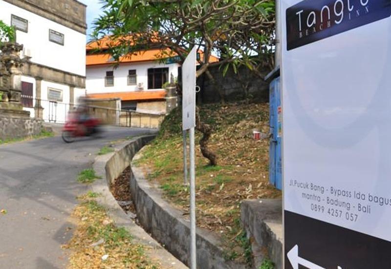 Tang Tu Beach Inn Villa Bali - Tanda jalan