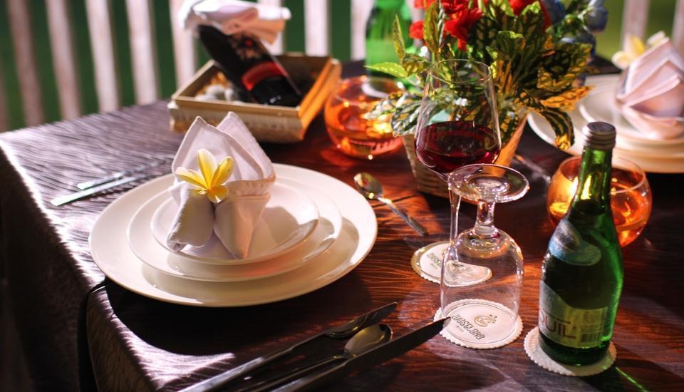 The Westlake Resort Yogyakarta - Makan malam romantis
