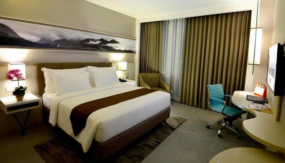 Swiss-Belhotel Jambi - Deluxe Room Only Regular Plan