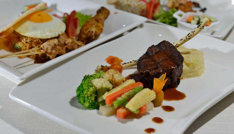 Swiss-Belhotel Jambi - Swiss Cafe Food & Beverage