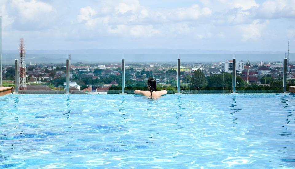Swiss-Belhotel Yogyakarta - Swimming Pool 2