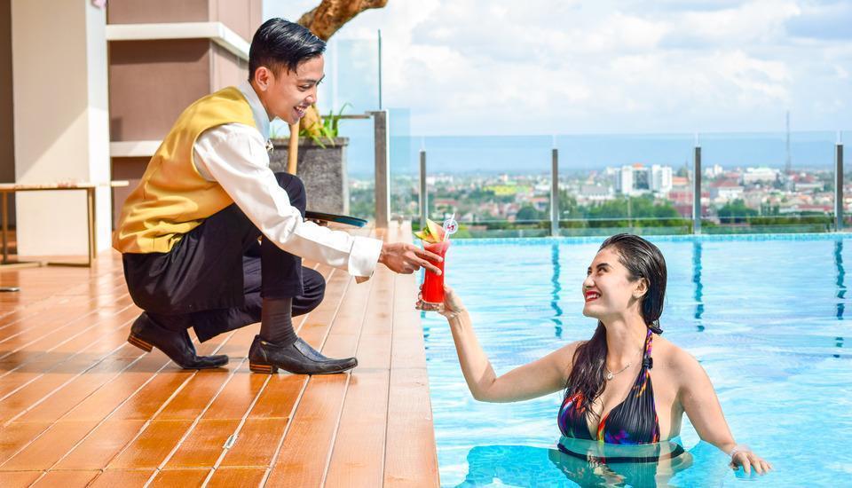 Swiss-Belhotel Yogyakarta - Swimming Pool 3
