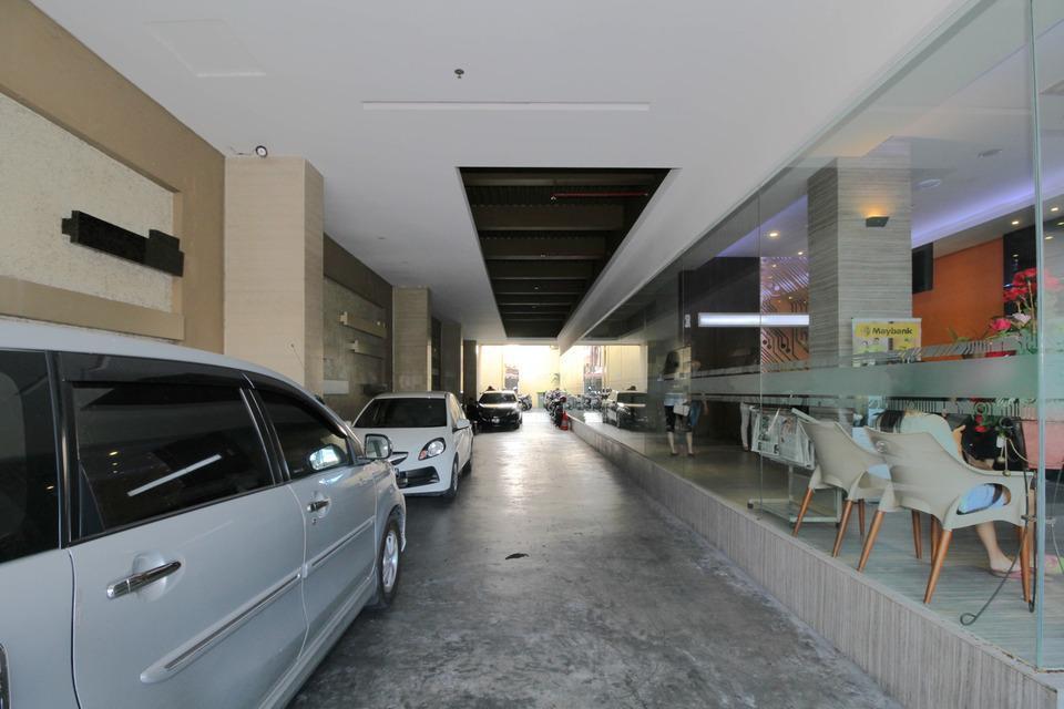 Airy Taman Remaja Kusuma Bangsa Surabaya - Parking Lot