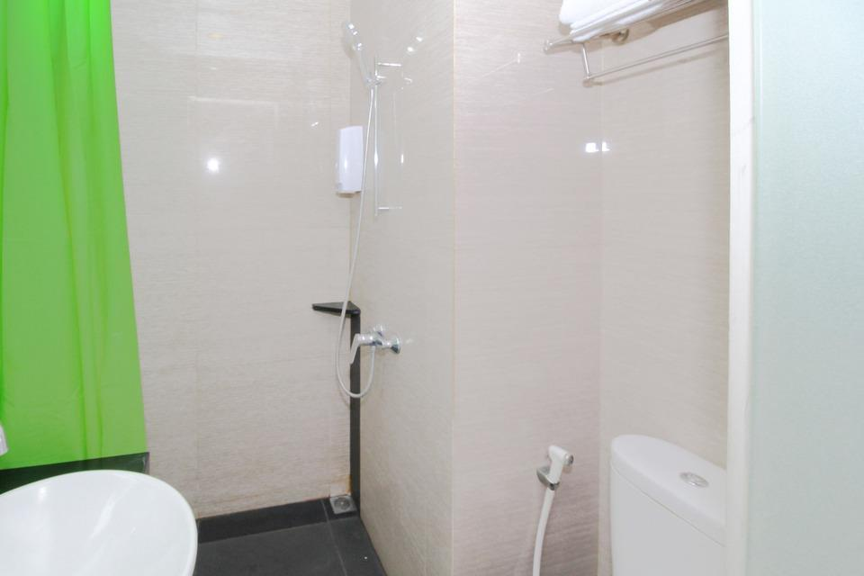Airy Taman Remaja Kusuma Bangsa Surabaya - Bathroom