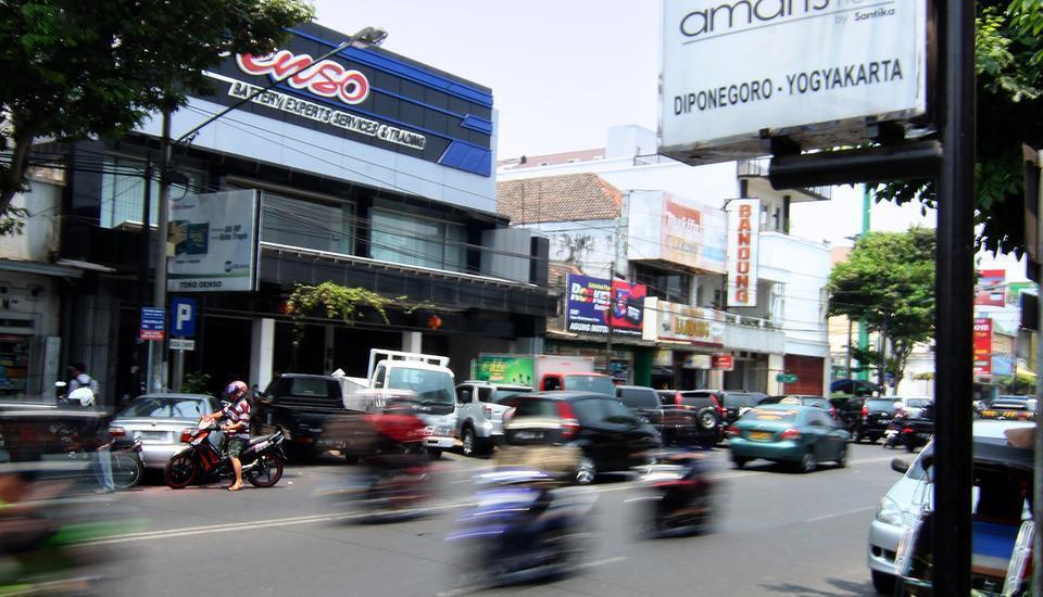Amaris Diponegoro Jogja - city street