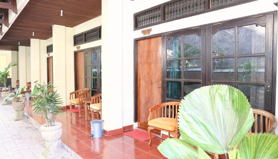 RedDoorz @Pratama Nusa Dua Bali - Teras